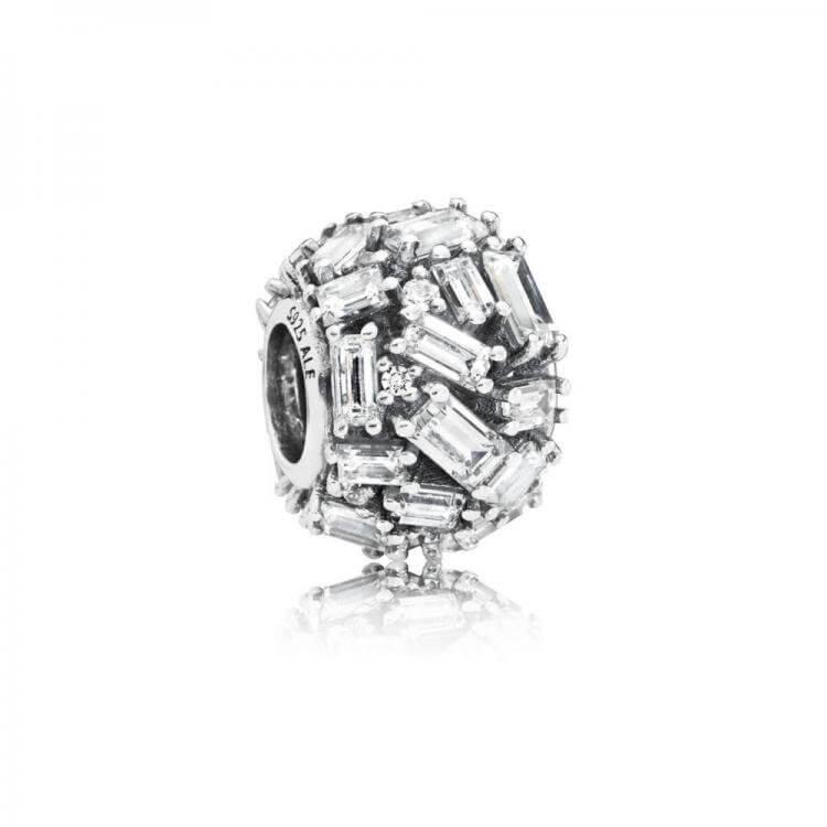Шарм «Прозрачная изысканная элегантность»